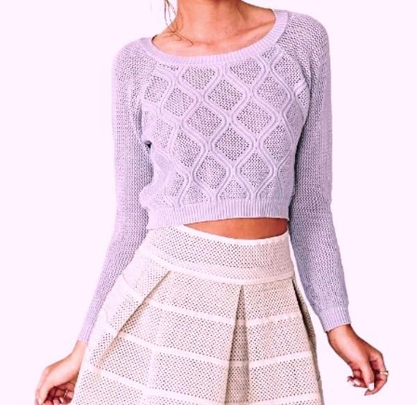 Пуловер с ажурными ромбами.