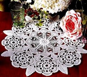 Салфеточка с цветами листиками в коллекцию