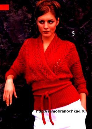 Красный пуловер с рукавом летучая мышь