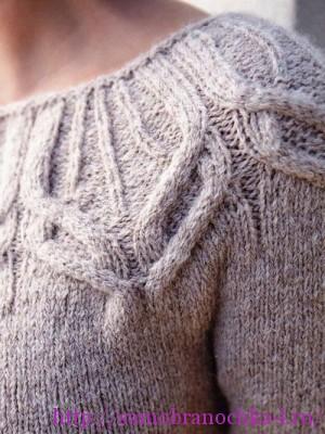 Два пуловера с ажурной кокеткой